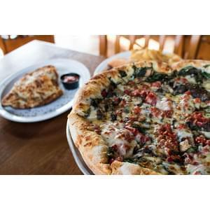 BoomBozz Craft Pizza & Taphouse - Bellevue