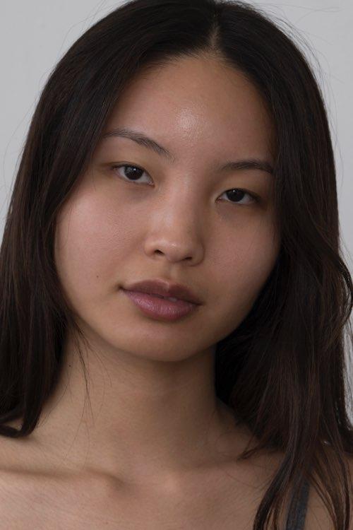 Models with medium skin tones