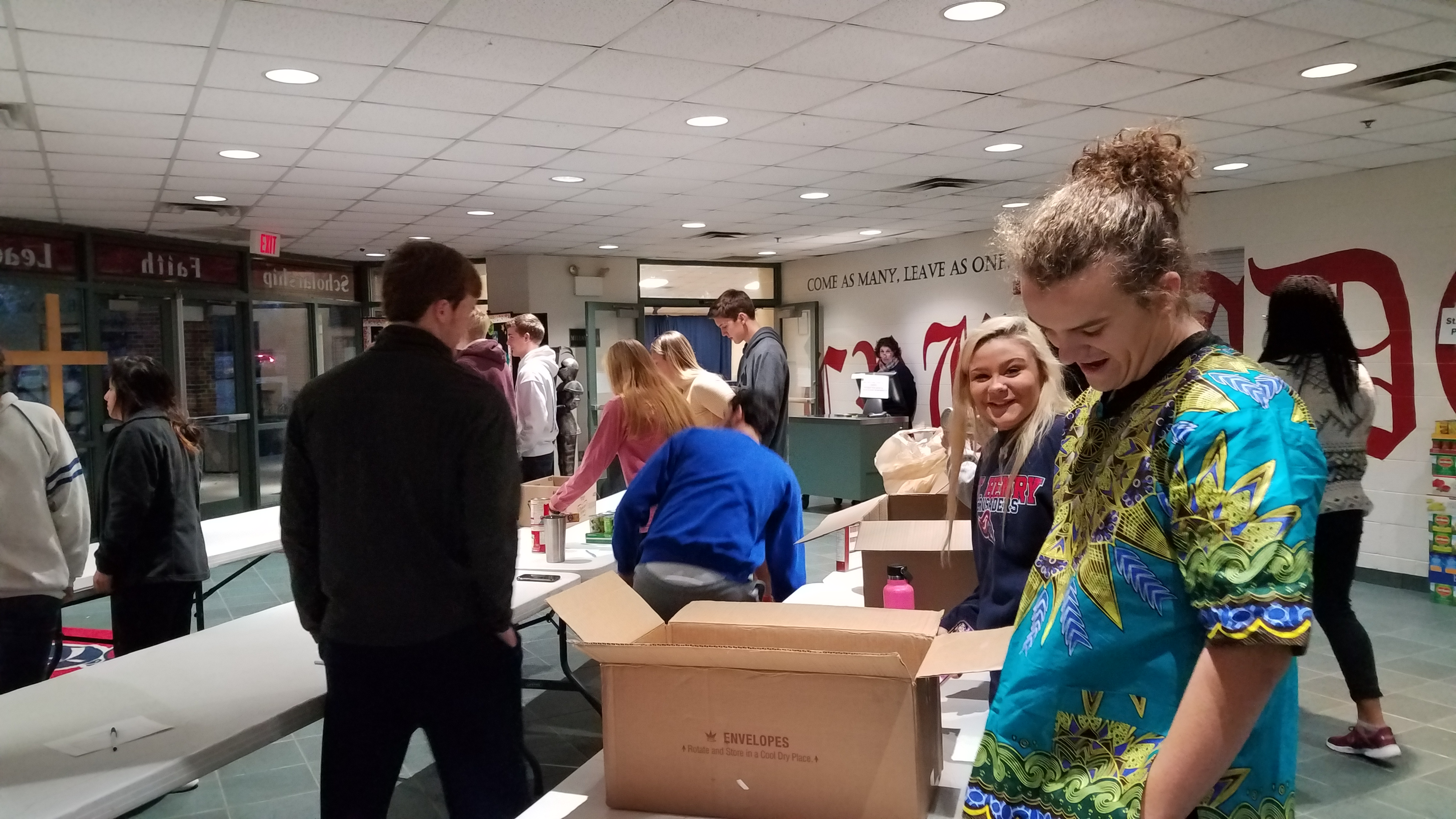 2018 thanksgiving canned food drive_4