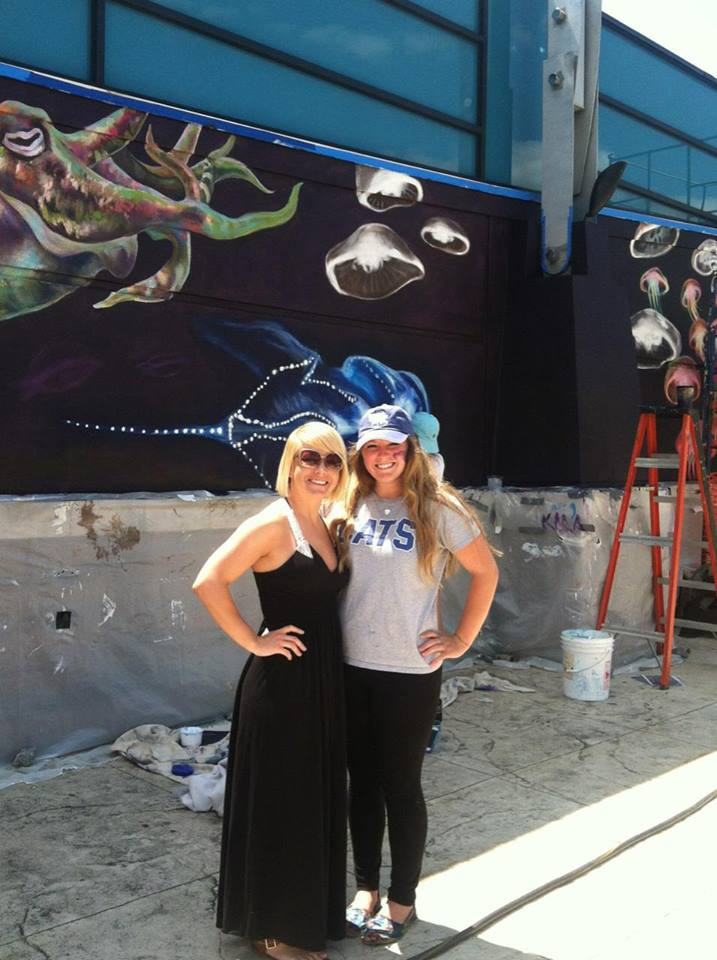 Artist Leaves Her Mark on Cincinnati_4 Aquarium wall