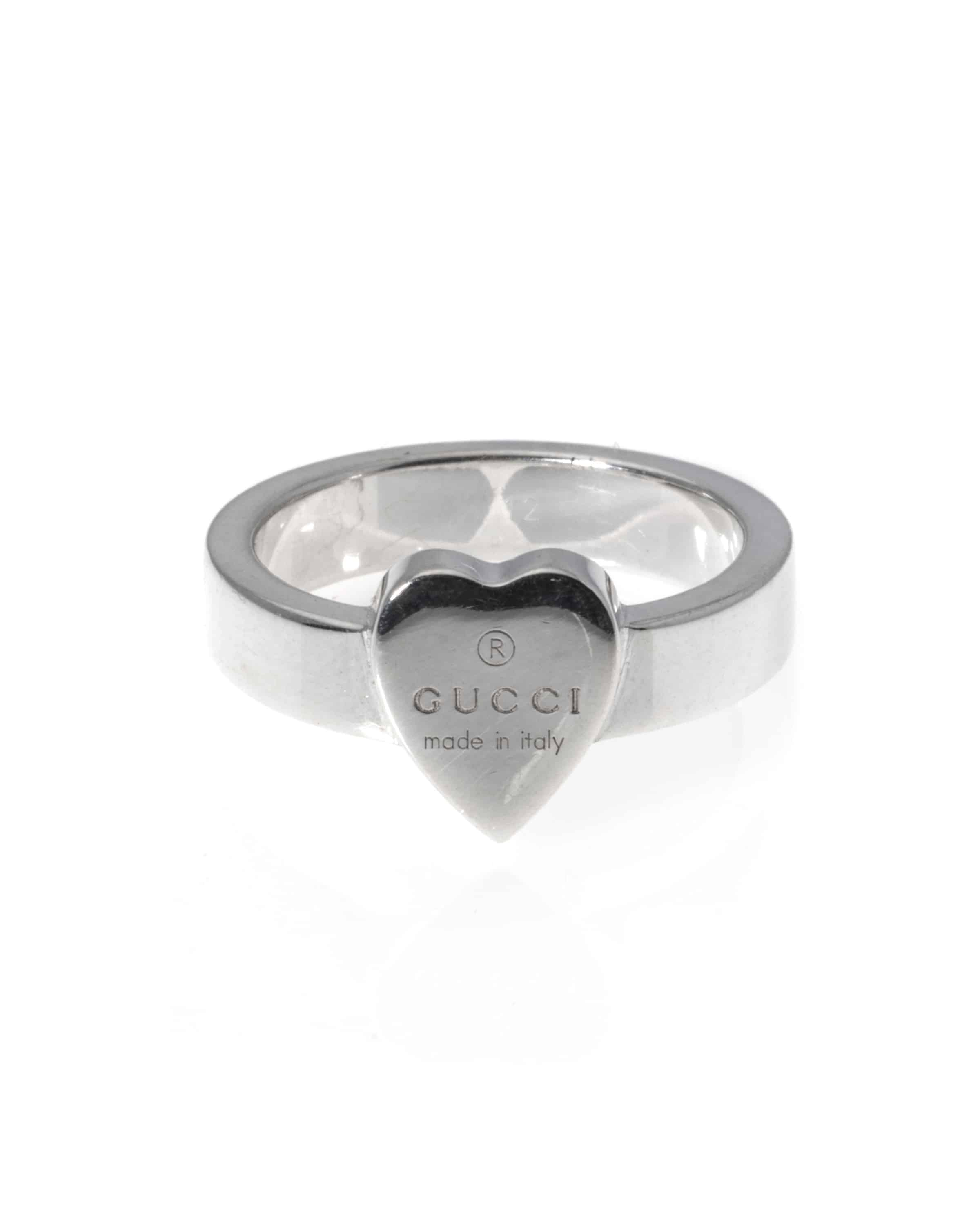 2af0648e9 Gucci Trademark Sterling Silver Heart Ring Size 6,5.5 ...