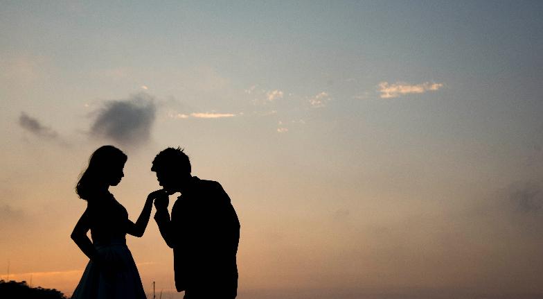 24 Signs You're Dating a Superhero Boyfriend