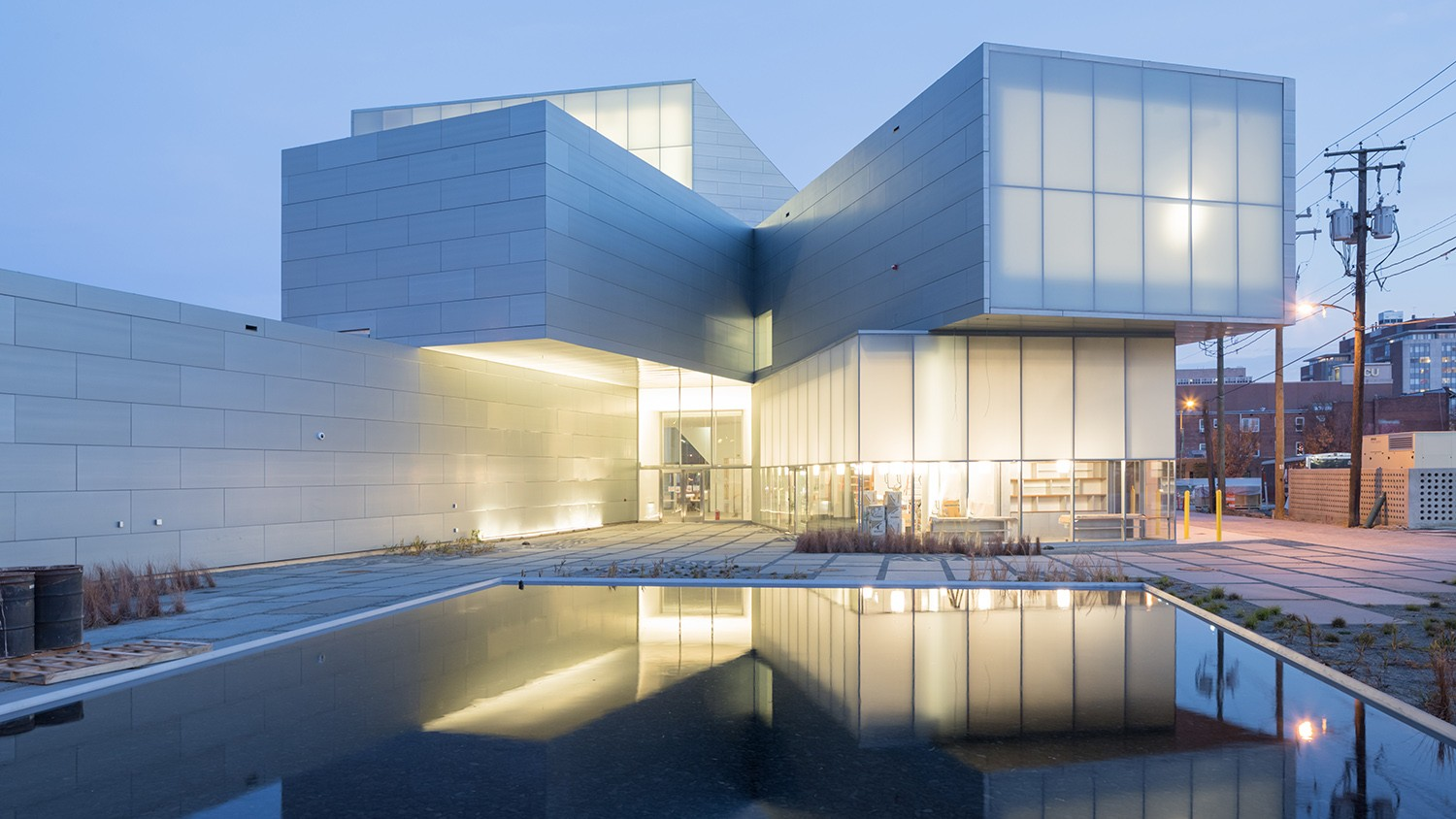 https://s3.us-east-2.amazonaws.com/steven-holl/uploads/projects/project-images/IwanBaan_ICA_VCU17-12SHA 4424_WH.jpg