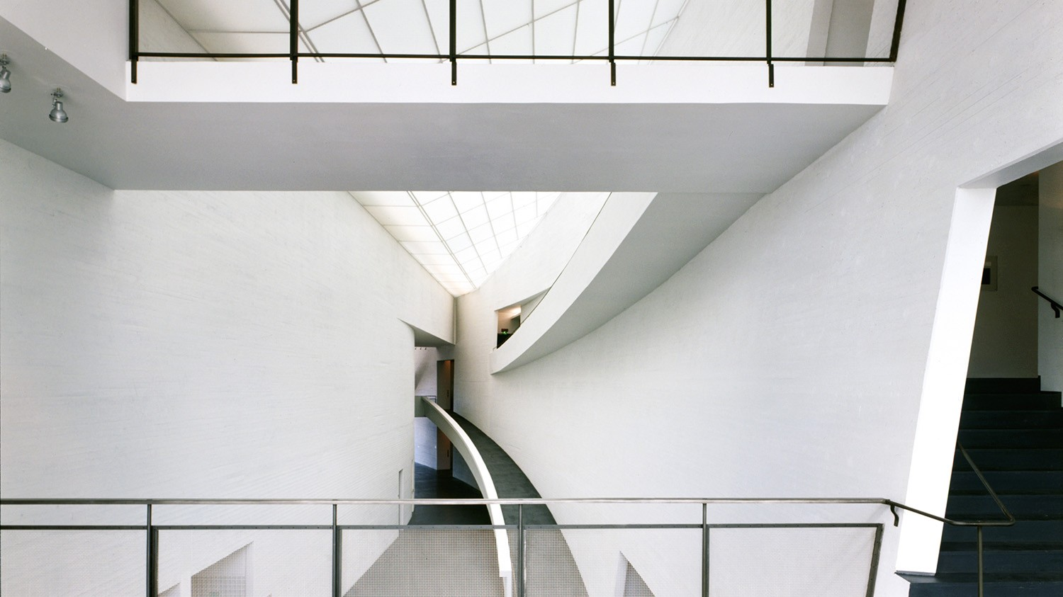 https://s3.us-east-2.amazonaws.com/steven-holl/uploads/projects/project-images/PaulWarchol_Kiasma_98-047-08B_WH.jpg