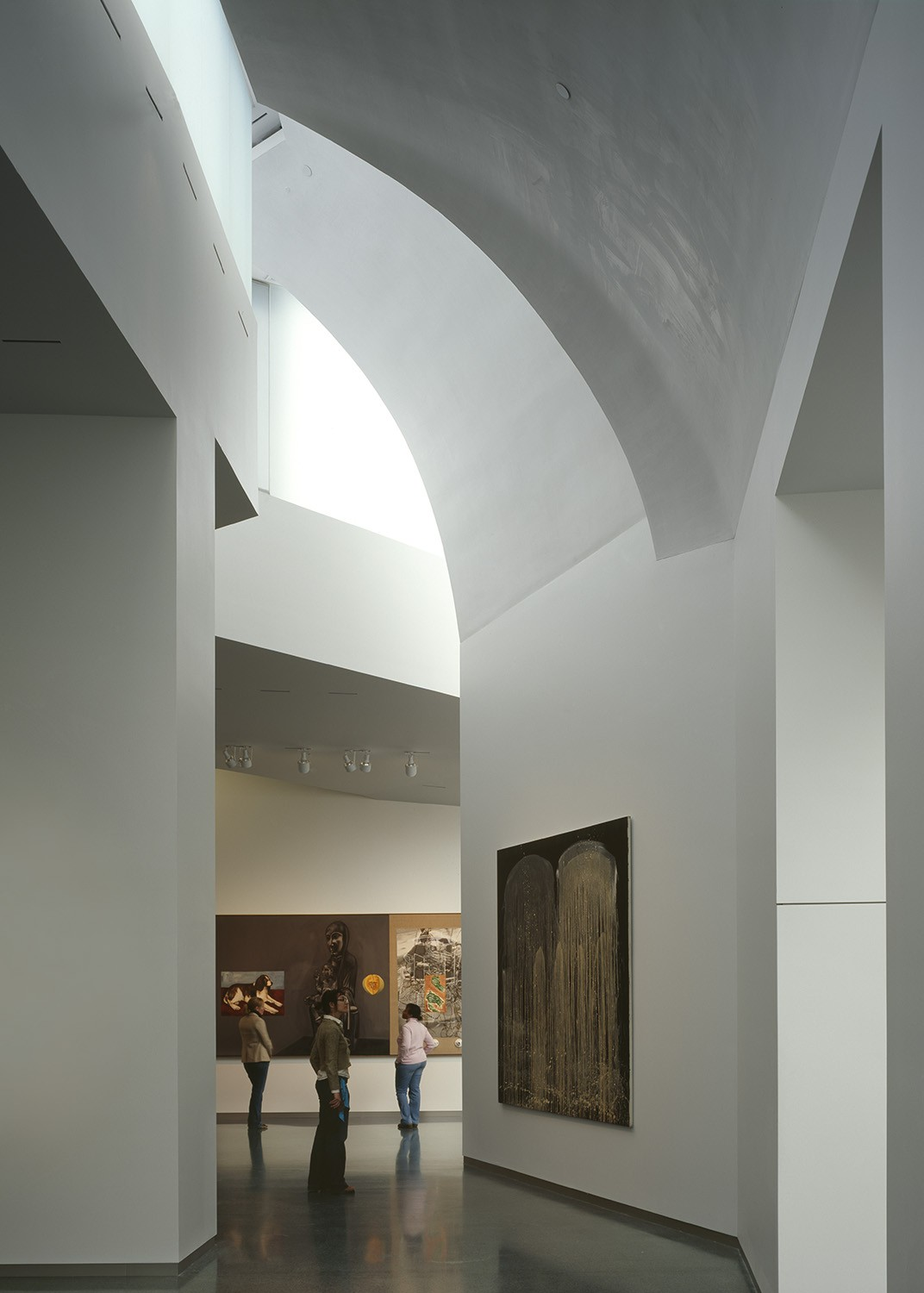 https://s3.us-east-2.amazonaws.com/steven-holl/uploads/projects/project-images/RolandHalbe_NAMA_RH1625-242_WV.jpg