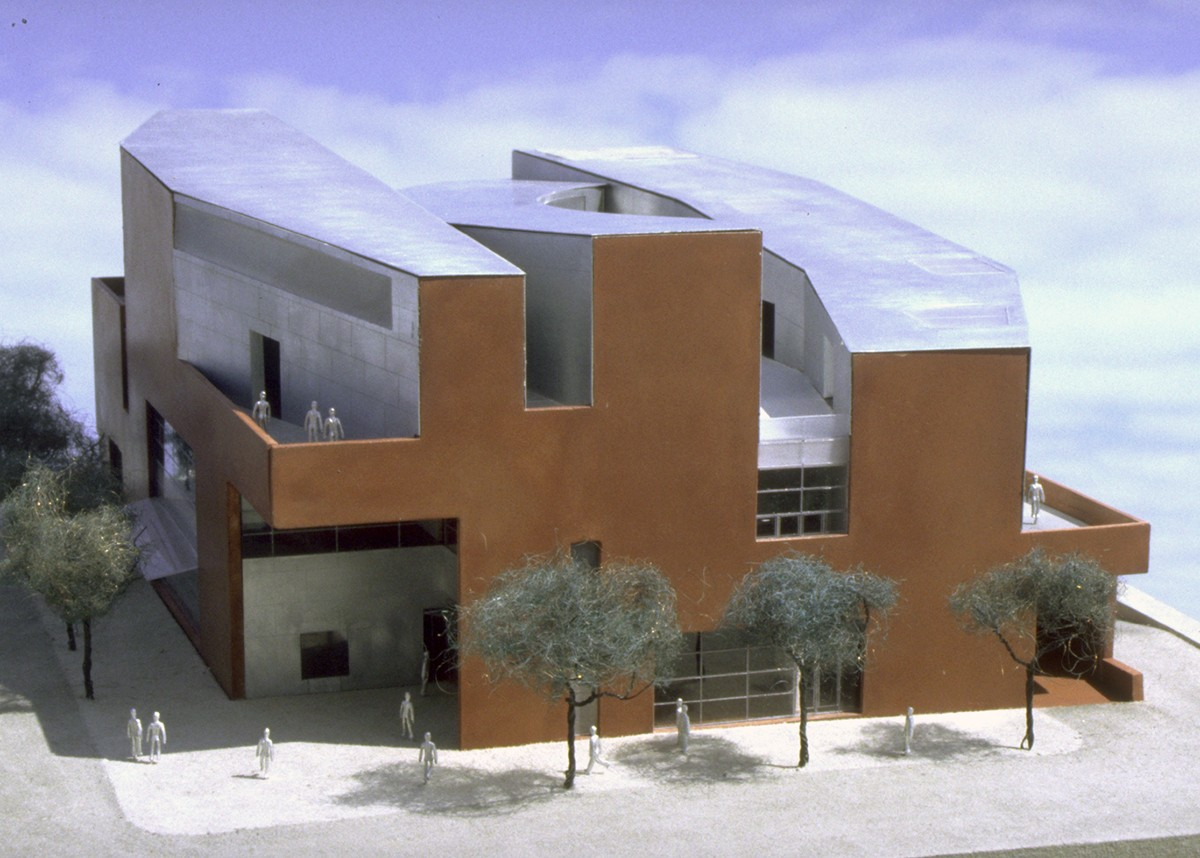 https://s3.us-east-2.amazonaws.com/steven-holl/uploads/projects/project-images/StevenHollArchitects_BAM_model2_WC.jpg