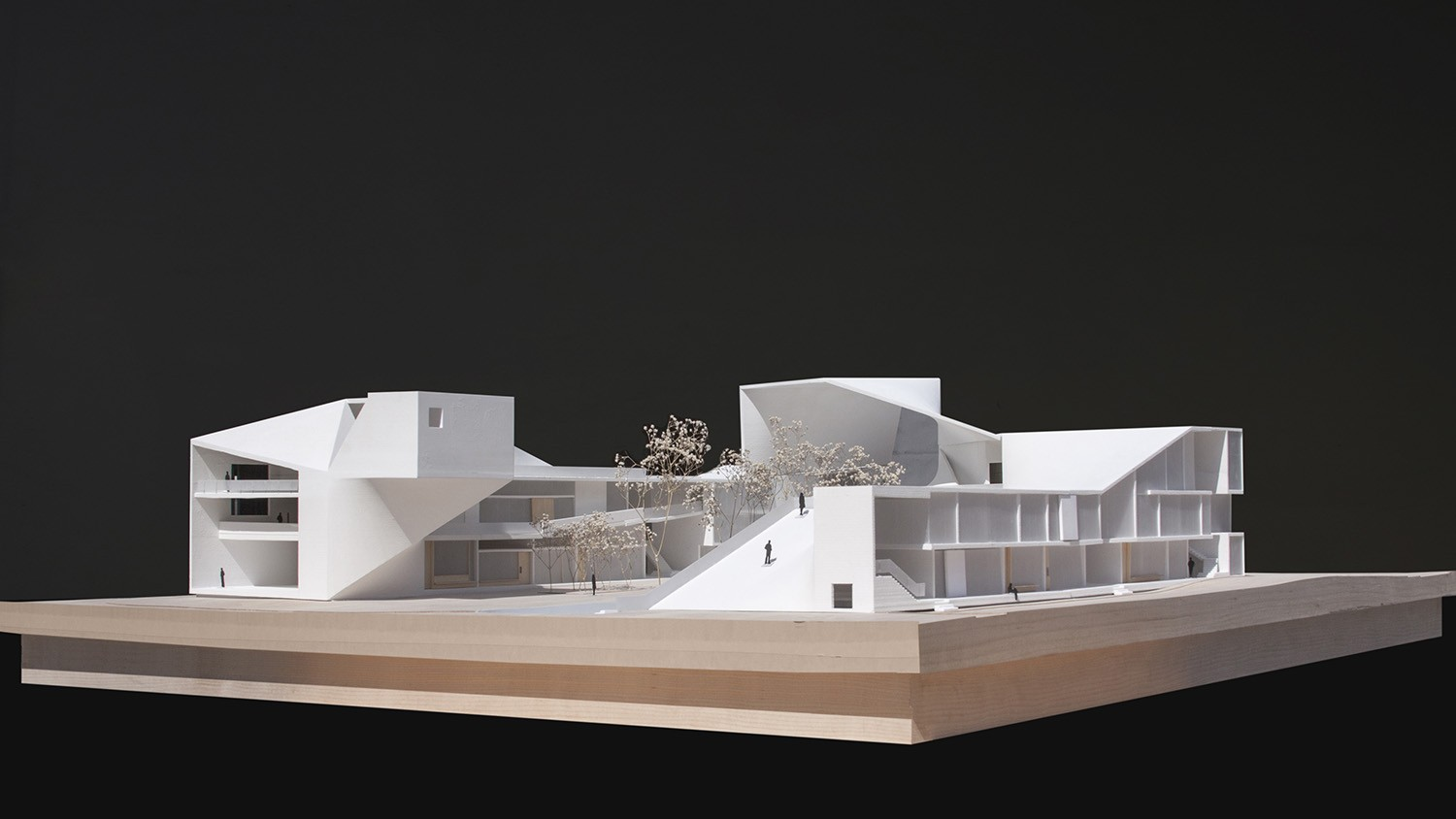 https://s3.us-east-2.amazonaws.com/steven-holl/uploads/projects/project-images/StevenHollArchitects_Bogota_IMG_6166-edit_WH.jpg