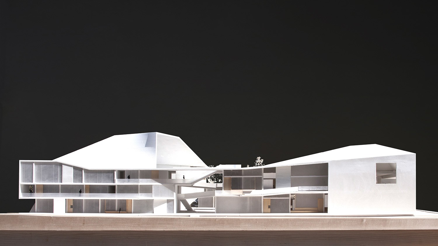 https://s3.us-east-2.amazonaws.com/steven-holl/uploads/projects/project-images/StevenHollArchitects_Bogota_IMG_6219-edit_WH.jpg