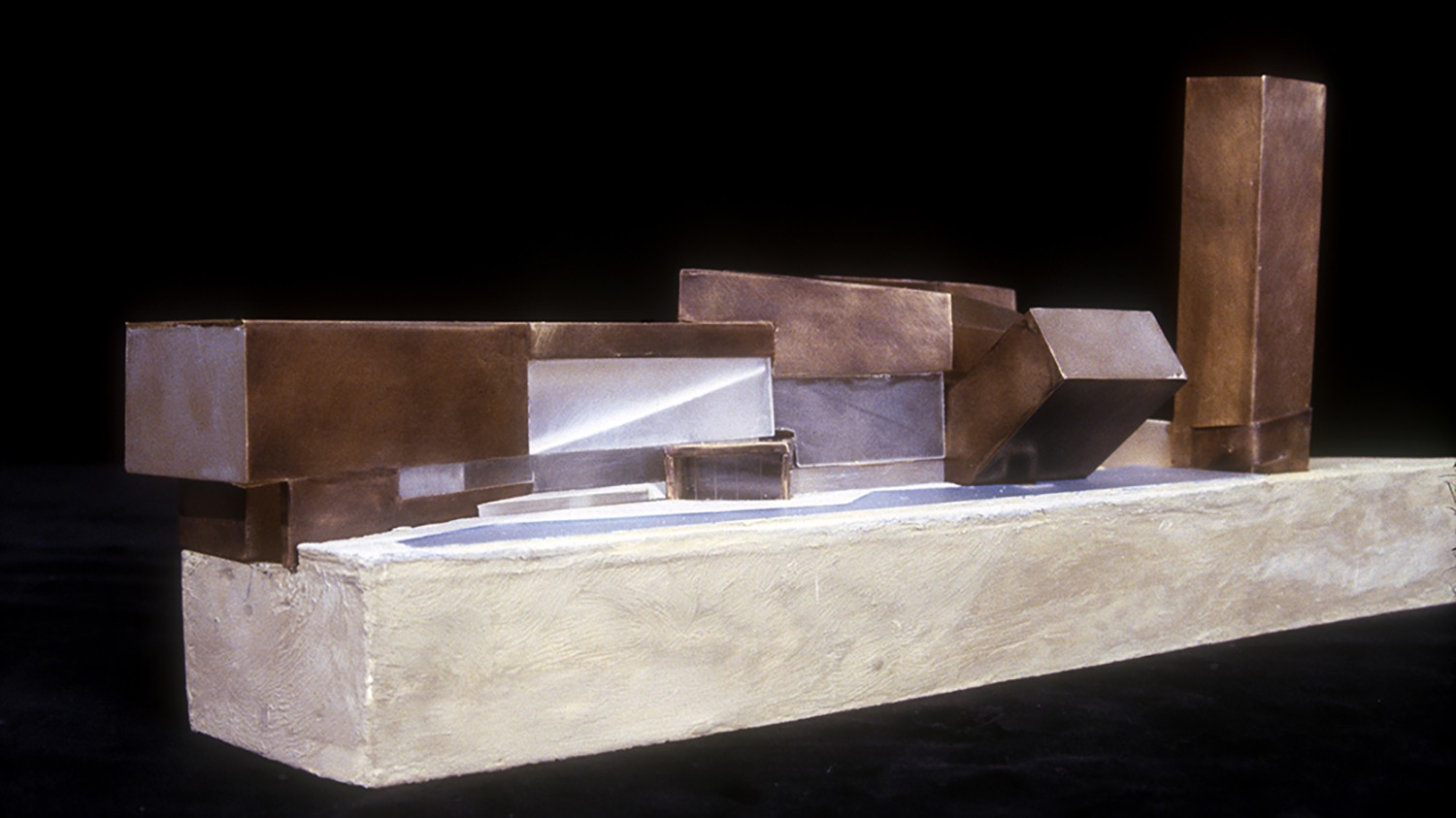 https://s3.us-east-2.amazonaws.com/steven-holl/uploads/projects/project-images/StevenHollArchitects_Confluence_lyon_model_WH.jpg