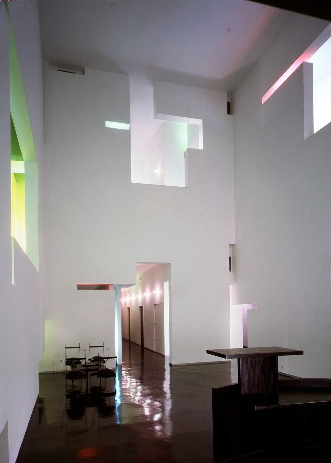 https://s3.us-east-2.amazonaws.com/steven-holl/uploads/projects/project-images/StevenHollArchitects_DEShaw_92-010-20B_WV.jpg