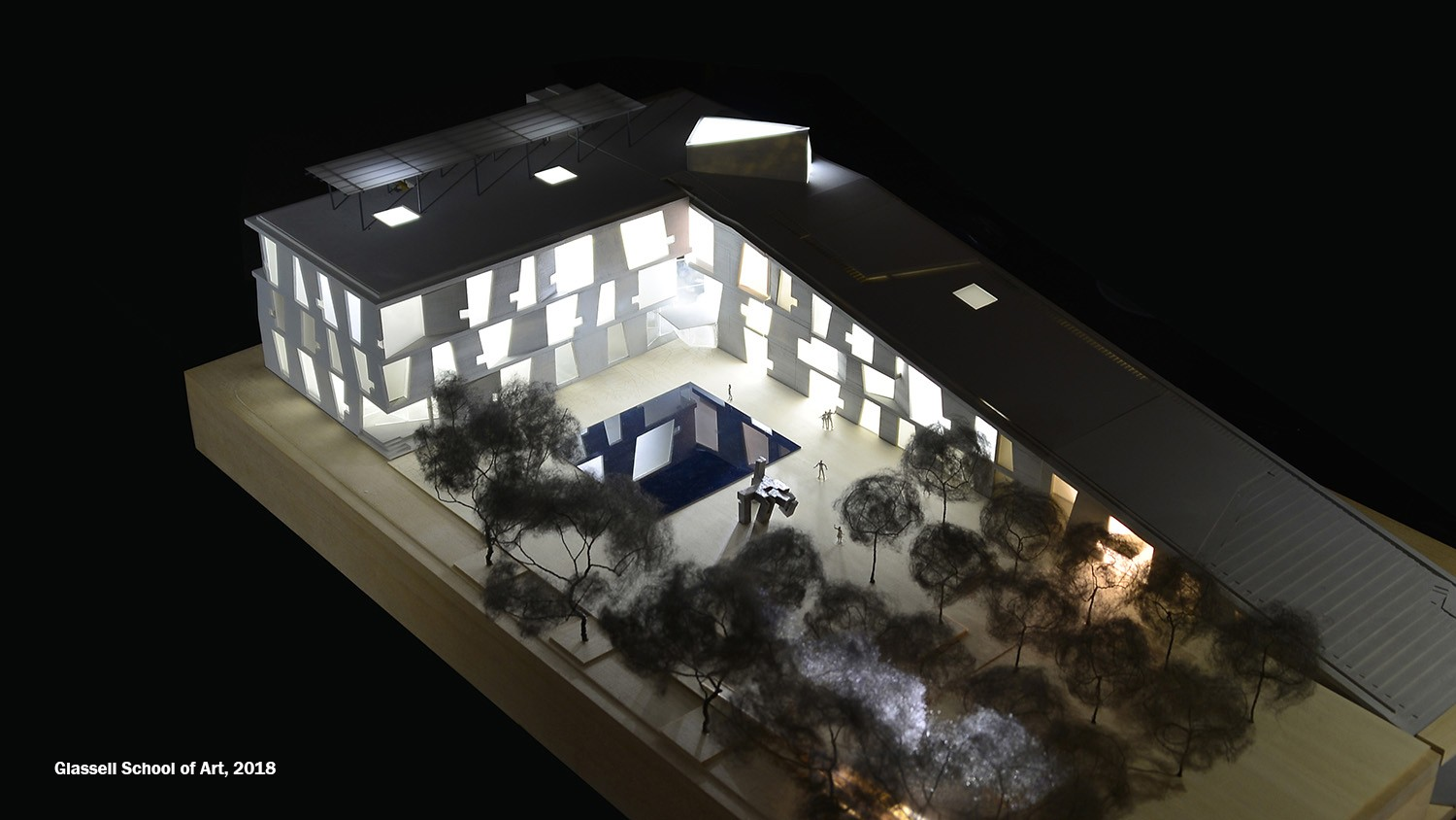https://s3.us-east-2.amazonaws.com/steven-holl/uploads/projects/project-images/StevenHollArchitects_Glassell_DSC1582_WH.jpg