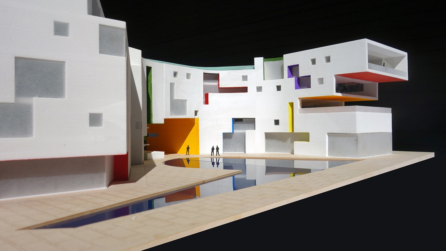 https://s3.us-east-2.amazonaws.com/steven-holl/uploads/projects/project-images/StevenHollArchitects_MGI_SHA-Moscow-Polychromy_WH.jpg