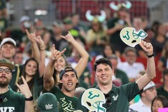 1920-USF-Bulls-vs-Temple-Owls-2017-Bulls-Gallery-0260.jpg