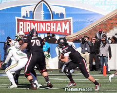 72 8x10 birmingham bowl sc qb bentley runs IMG_0946.jpg