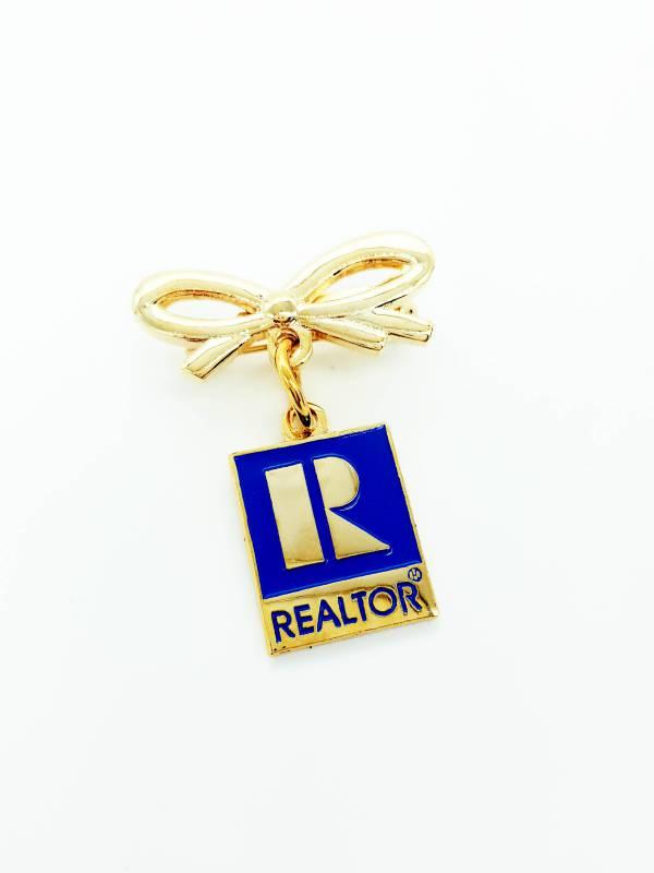 Hanging Bow Pin - RTS4114