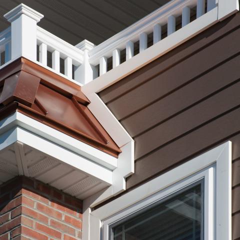 RM7901 Royal PVC Shingle Panel Moulding 21/36 x 1-23/32 x 16' WM217