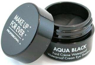 travel-makeup-facing-the-day