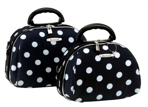 toiletry-bags-for-travel