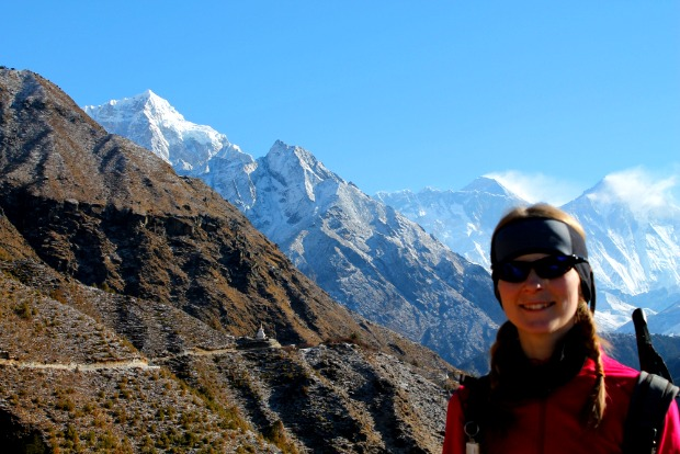 best-hiking-gear-list-for-female-trekkers