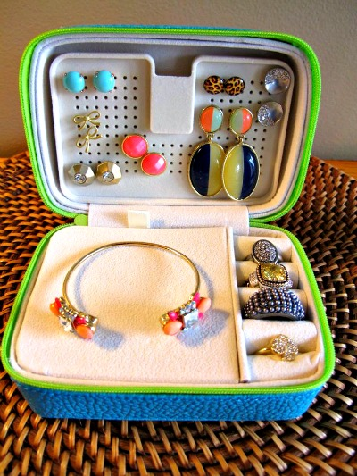 traveling-with-jewelry