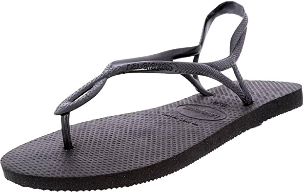 f0a540eb7 12 Beach Sandals Perfect for Hot Weather Vacations