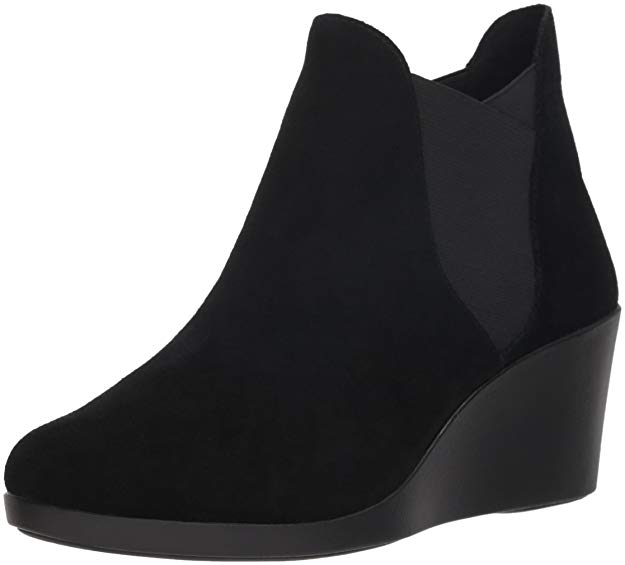 59451da028 10 Best Black Ankle Boots for Walking