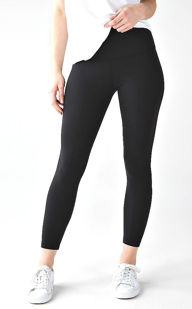 84640997843 6 Best Black Leggings According to Our Readers