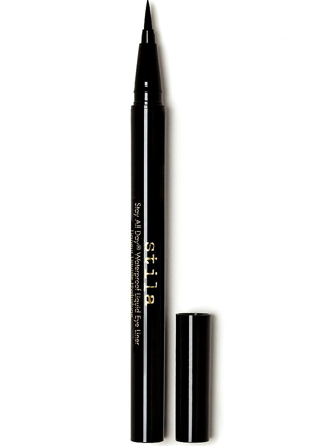 the-best-eyeliners-for-travel