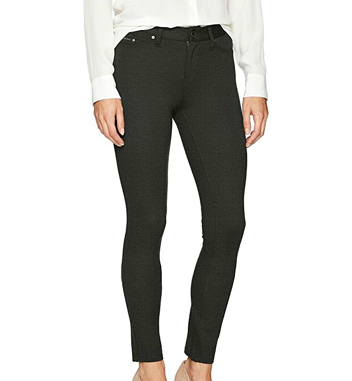 d1cab395e474 The Comfiest Airplane Pants for Travel