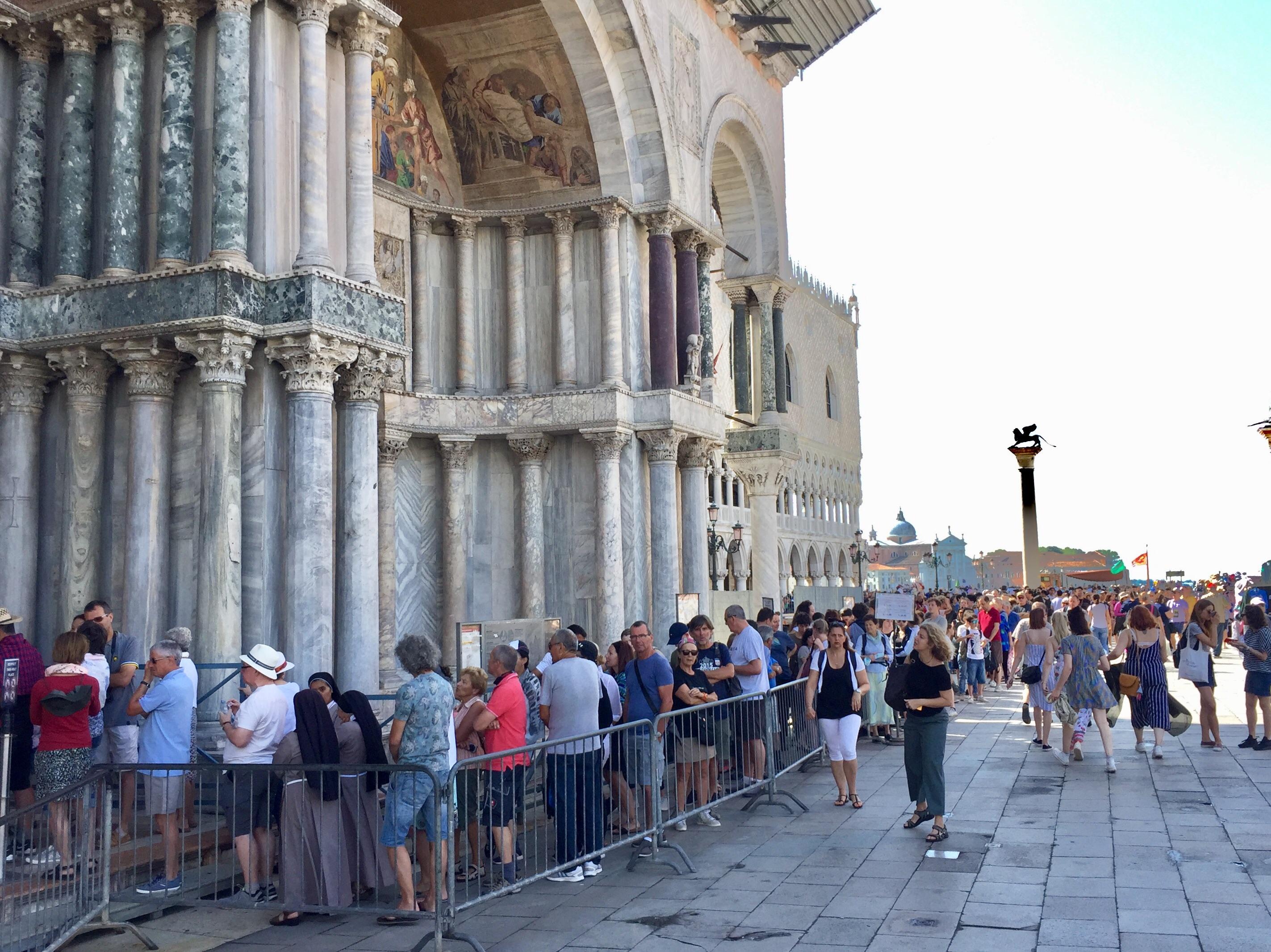 roman-guy-tours