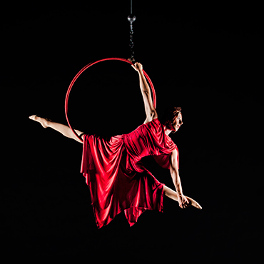 Holiday Cirque de la Symphonie