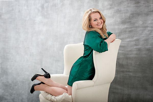 Elizabeth DeShong, mezzo-soprano