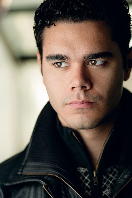 Elliot Madore, baritone