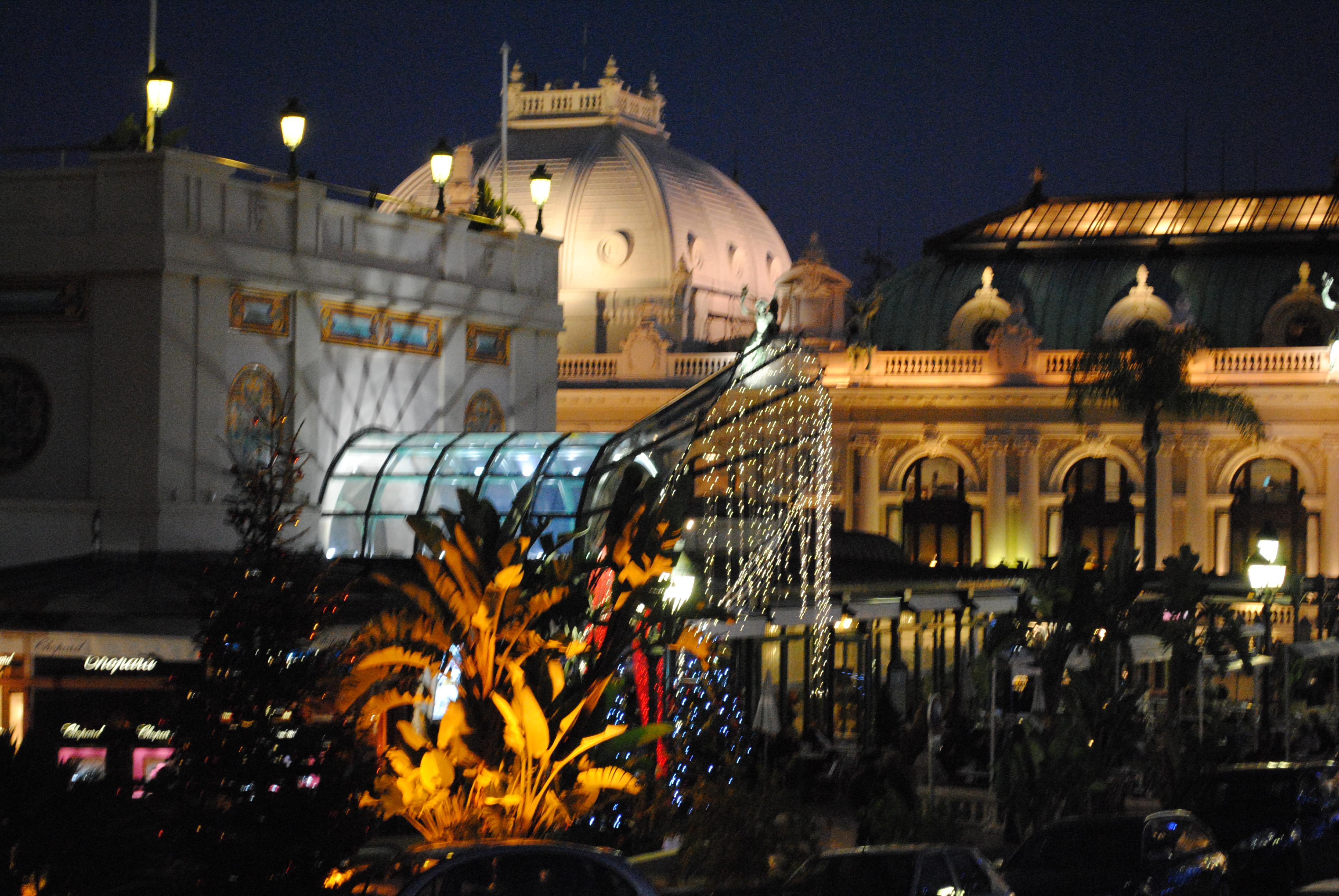le casino de Monte-Carlo. Les citoyennes sont interdites d'y aller.