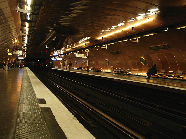 M tro de paris french language house - Musee des arts decoratifs metro ...