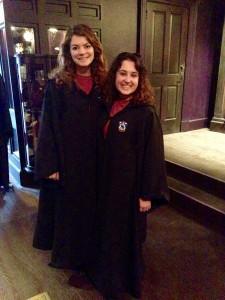 Nous portons nos robes académiques-- nous avons reçu nos lettres d'Hogwarts finalement!