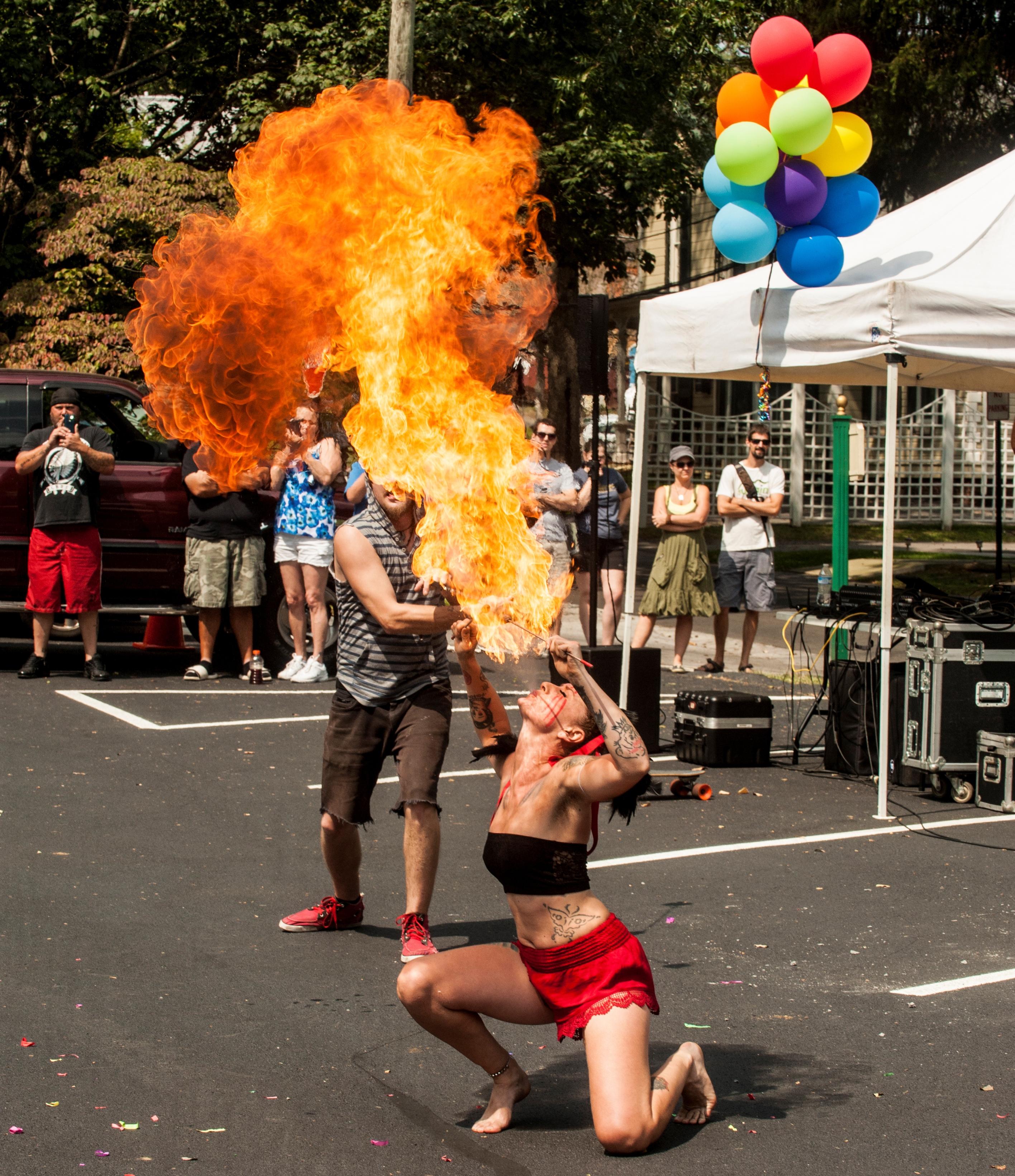 Abingdon's Main Street Busker Fest