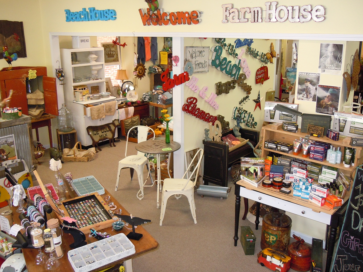 Jeroleen's Shed interior