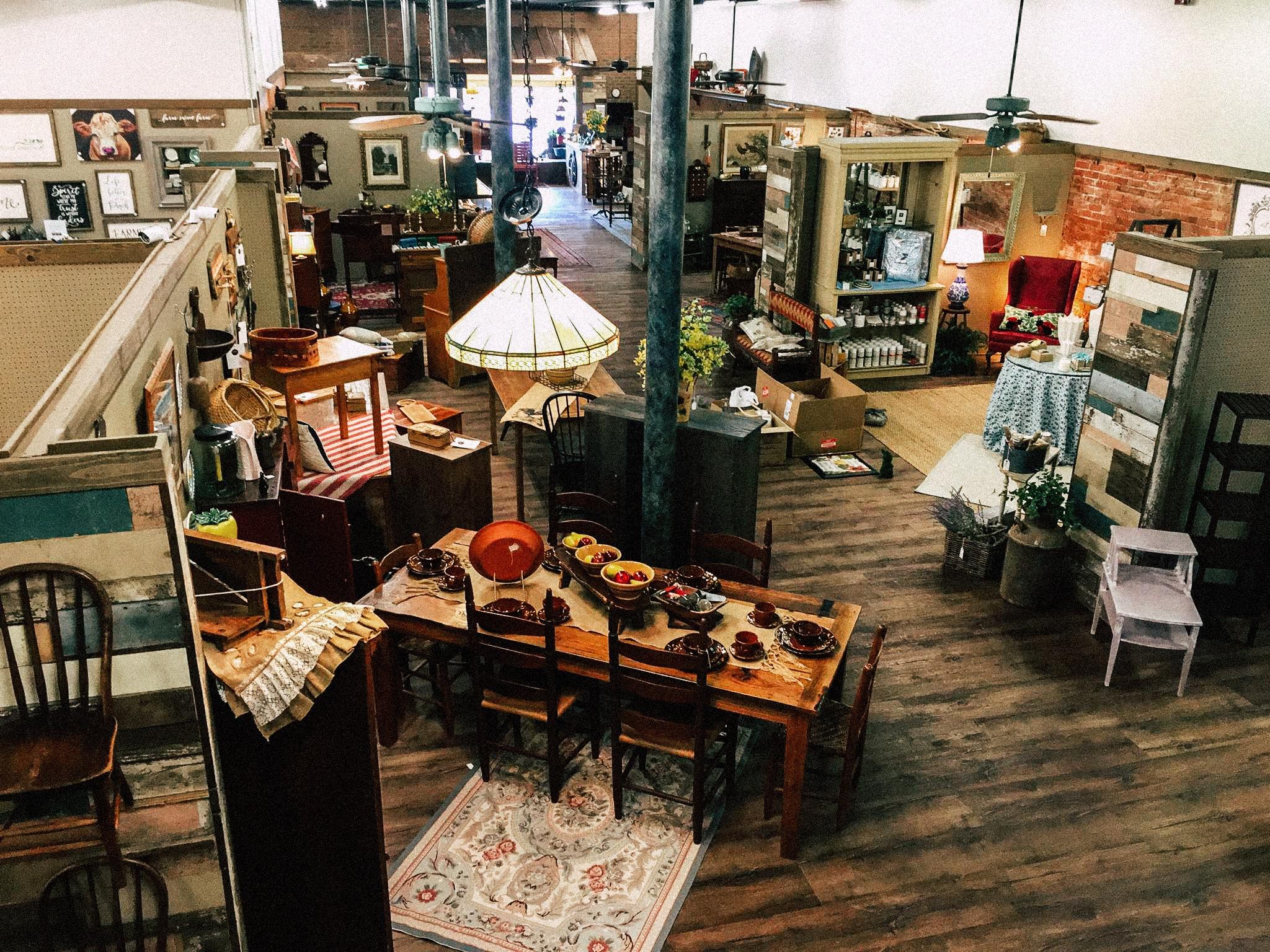 Wolf Hills antiques interior