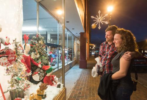 WHEELER_Abingdon Christmas_Downtown-12