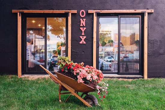 رستوران اونیکس-Restaurant Onyx